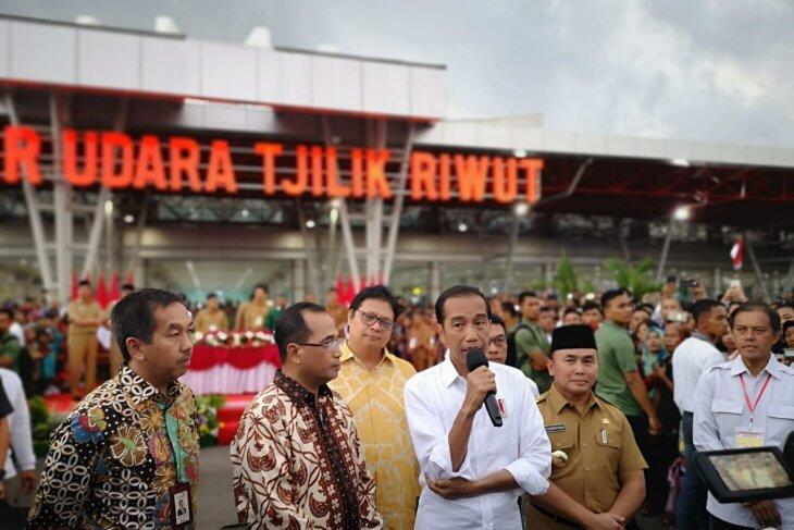 Presiden Jokowi Resmikan Terminal Baru Bandara Tjilik Riwut