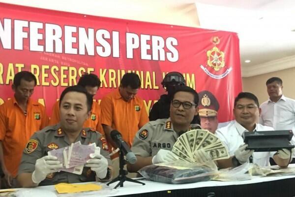 Polisi Tangkap Penjual Mata Uang Asing Palsu di Depok