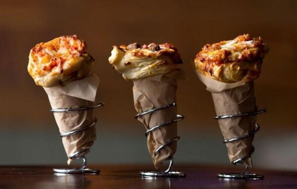 5 Bentuk Pizza Paling Unik, dari Lollipop Sampai Es Krim Cone