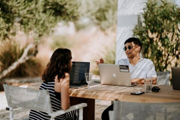 6 Alasan Freelance Adalah Jenis Pekerjaan Terbaik & Menyenangkan