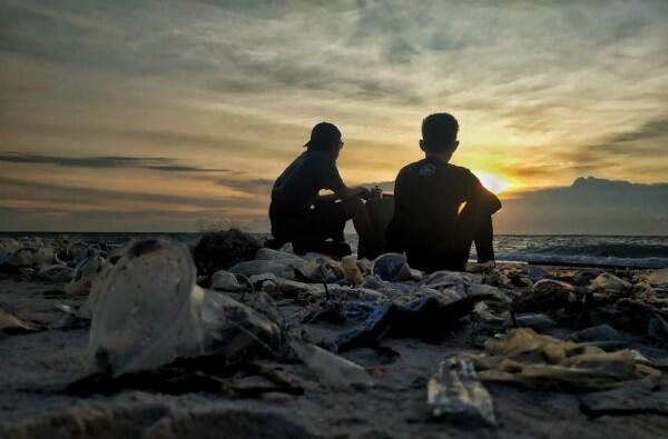Duh, 10 Potret Pantai Paling Kotor di Indonesia Ini Bikin Sedih!