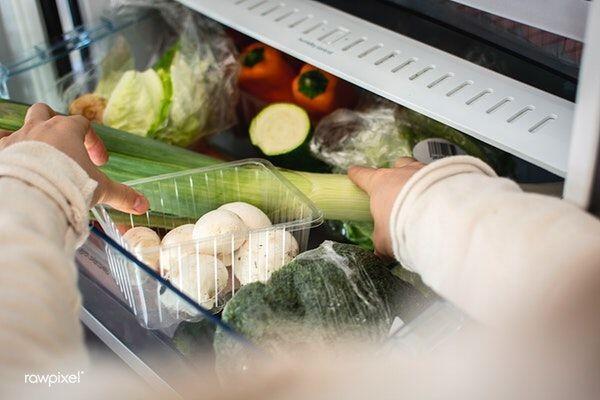 Lakukan Cara Ini Supaya Bahan Makanan Mentah Tahan Lama & Higienis