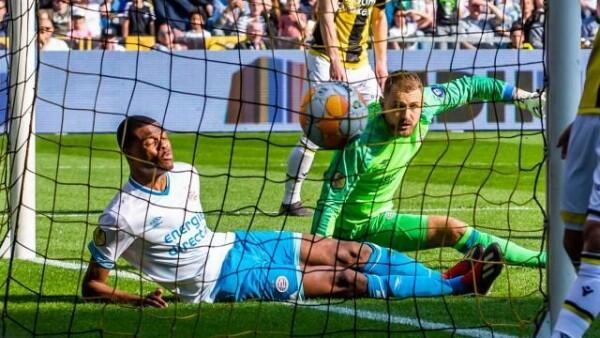 PSV Lepas Puncak Klasemen Eredivisie Kepada Ajax