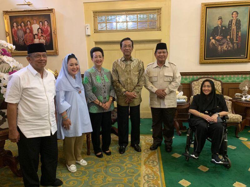 Sri Sultan Hamengkubuwono X Titipkan NKRI pada Prabowo