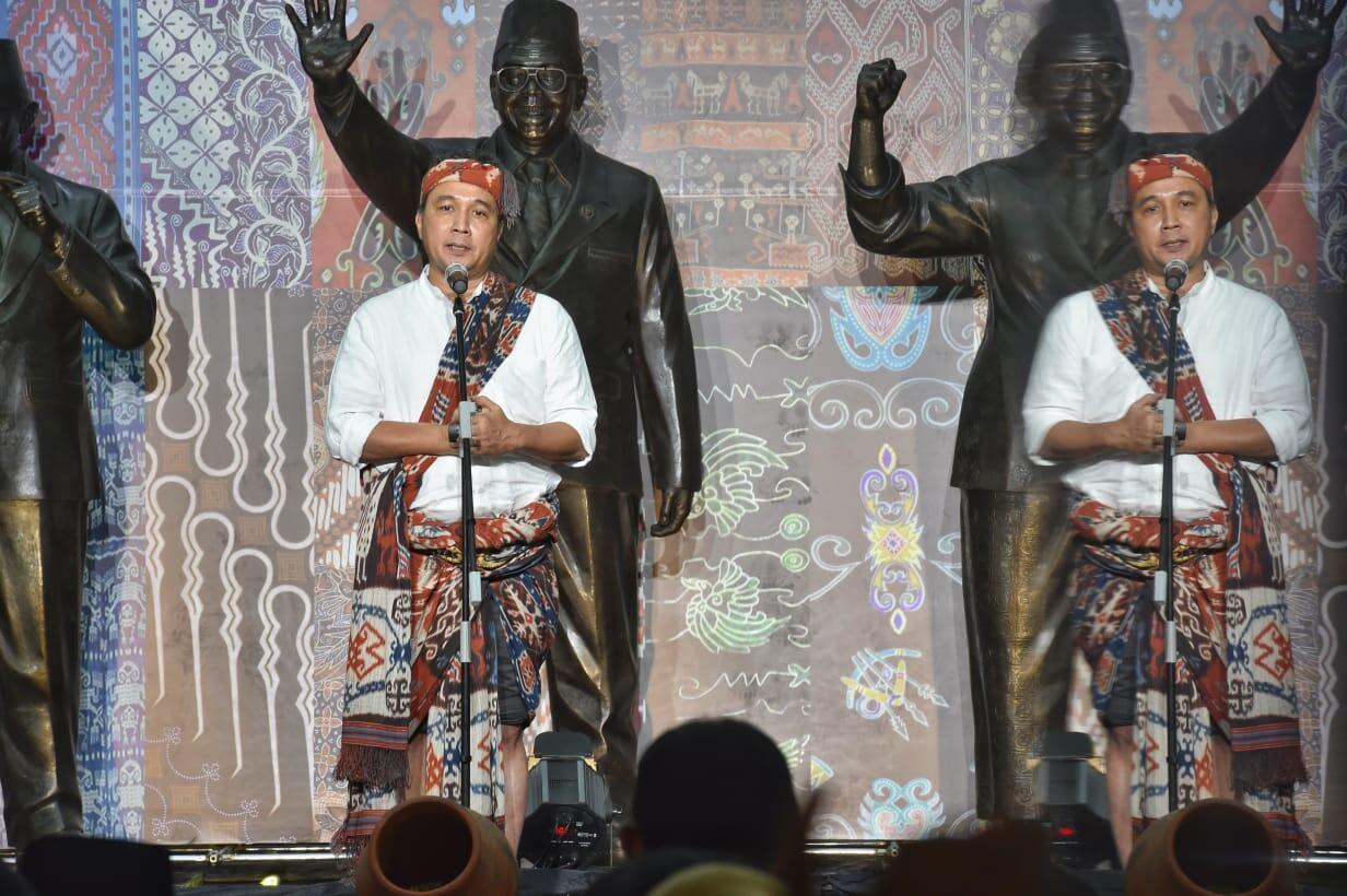 Festival Wastra Nusantara Kembalikan Makna Nilai Tradisi Indonesia
