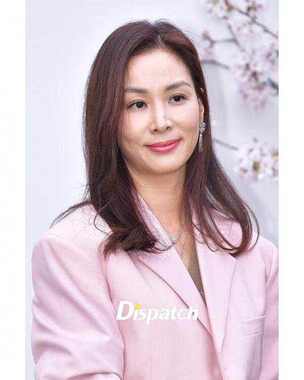 10 Gaya Sandara Park hingga Seohyun Hadiri Pernikahan Lee Jung Hyun