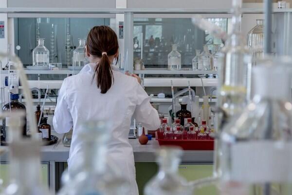 Mengenal Operasi Molekuler: Bedah Plastik Tanpa Pisau