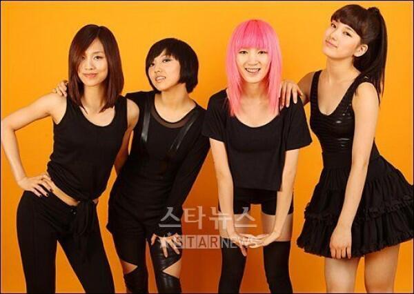 Akhiri Kontrak, 7 Kisah Perjalanan Karier Bae Suzy Bersama JYP
