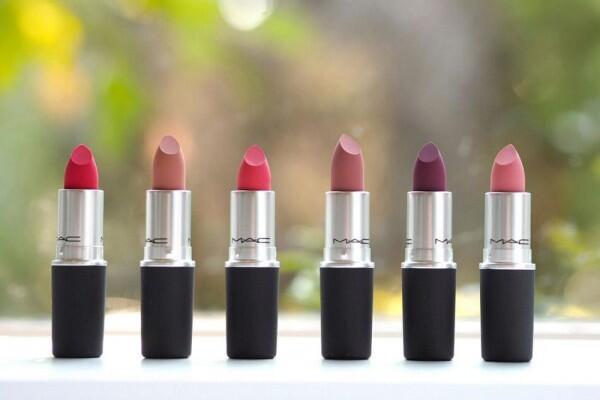 Unik Banget, Ini 5 Rekomendasi 'Lip Powder' yang Ciamik untuk Dicoba