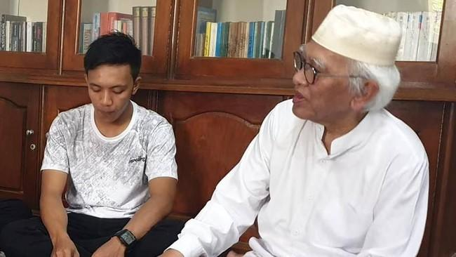 Pemuda yang Edit Video 'Gus Mus Diskreditkan Kiai Ma'ruf' Sowan Minta Maaf