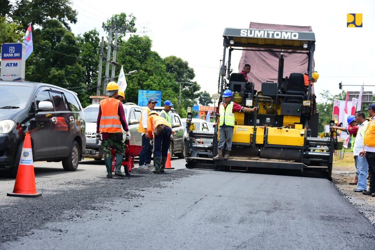 Bantu Petani, PUPR Beli Aspal Karet 2.542 ton