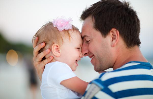 Bayi yang Lahir Mirip Ayahnya Ternyata Lebih Sehat, Menurut Riset Ahli