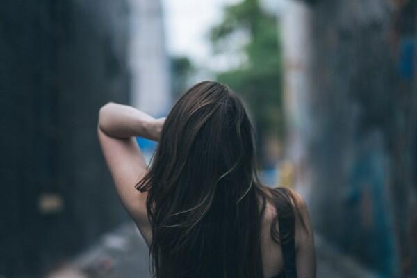 Rambutmu Cepat Lepek, Girls? Ini 6 Cara Menyelamatkannya!
