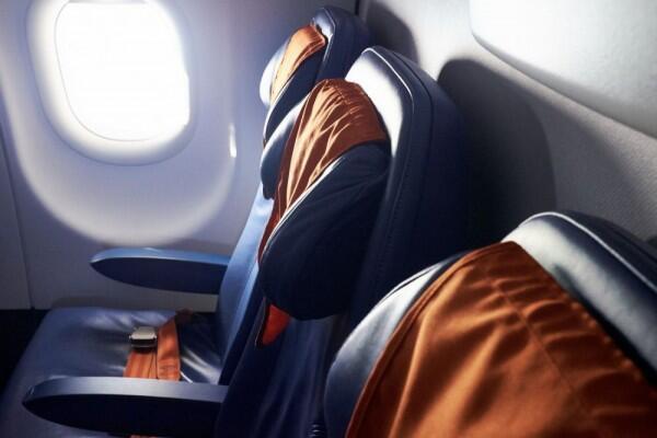 Biar Aman, Jangan Lakukan 6 Hal Ini Saat Naik Pesawat Terbang