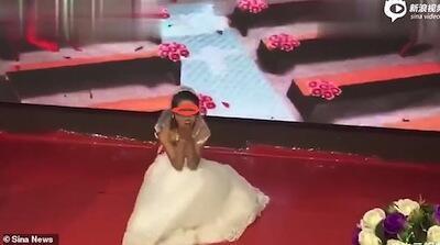 #SampeSegitunya, Wanita Ini Merengek Minta Balikan Di Acara Pernikahan Mantannya