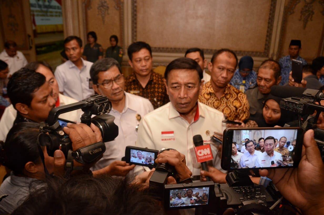 Bertemu Pimpinan Media Massa, Menko Polhukam Ingatkan Pentingnya Pemilu Damai