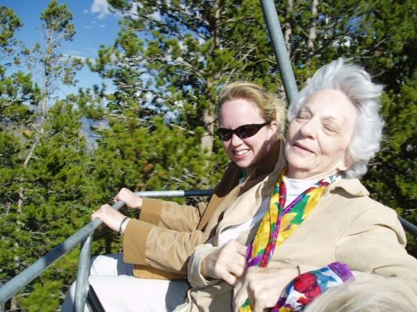 5 Alasan Kenapa Tidak Perlu Berpura-pura Kalem di Depan Mertua