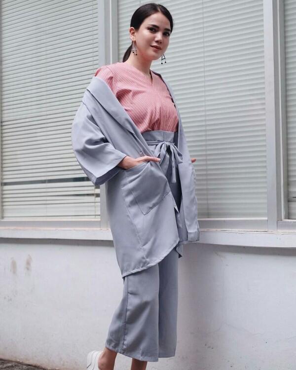 Anti Norak, Ini 10 Ide Color Block Outfits ala Selebriti Tanah Air