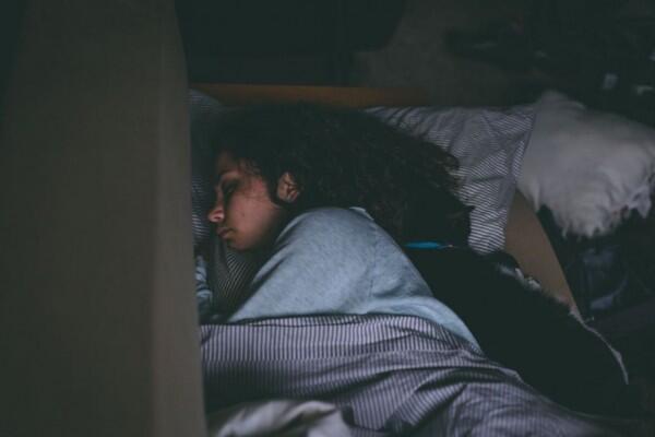 Bukan Obat Tidur, Tapi 5 Bahan Alami Ini Siap Atasi Insomnia