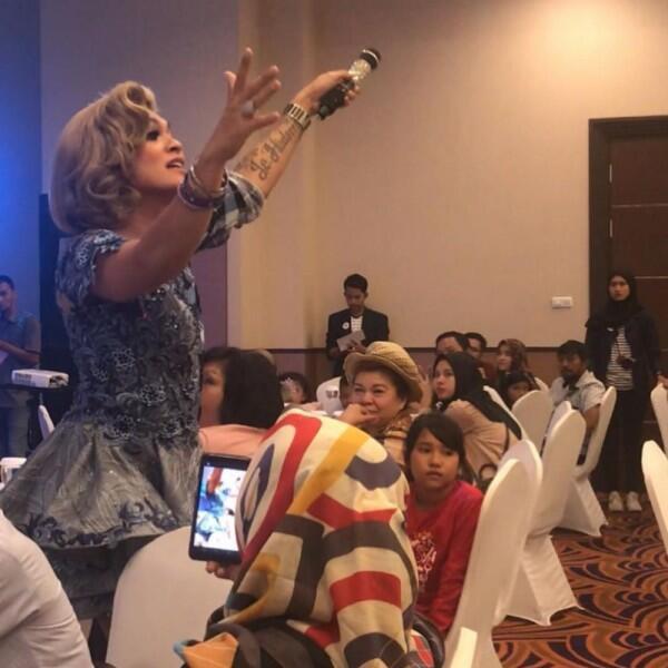 Jarang Muncul, Intip Yuk Kabar Terbaru Penyanyi Dua Wajah Hudson IMB
