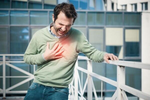7 Bahaya Tertawa Berlebihan, Jangan Sampai Kamu Merasakan Akibatnya