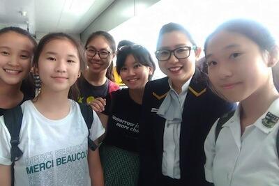 """Viral !!! Aksi 5 Siswi SMP Ini Bak """"MENAMPAR"""" Pengguna MRT Yang Jorok"""