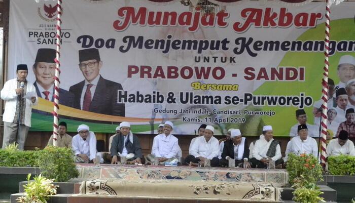 Pendukung Capres Prabowo Bermunajad Akbar