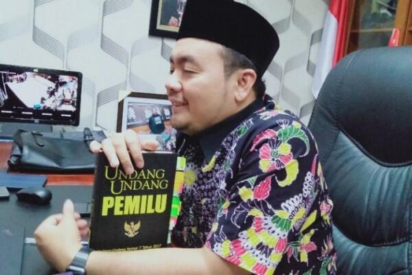 Bawaslu: Foto Ketua Panwaslu Bersama Relawan Prabowo - Sandi Hoaks
