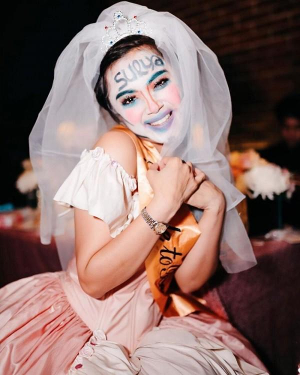 10 Seleb Ini Jadi 'Korban' Bridal Shower, Gak Banget Make Upnya