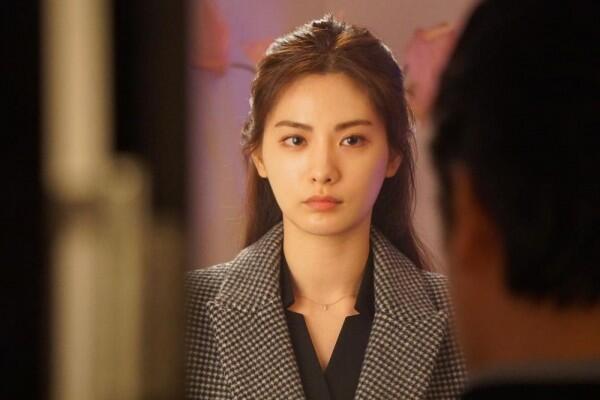 10 Potret Menawan Nana After School, Detektif Kece di Drama 'Kill It'