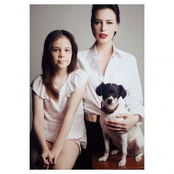 10 Potret Kedekatan Sophia Latjuba dan Dua Anaknya yang Bak Kakak Adik