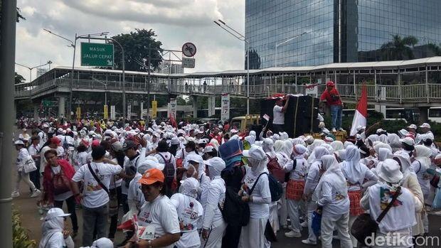 Pendukung Jokowi Konvoi dari Sudirman ke GBK
