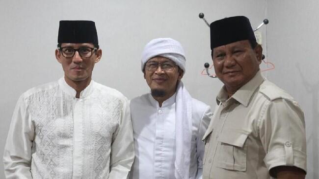 Pro Prabowo, Aa Gym Usul Calon Menteri Disuruh Tidur di Liang Lahat