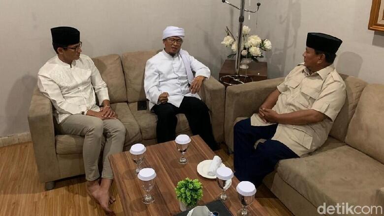Di Sela Persiapan Debat Kelima Pilpres, Prabowo-Sandiaga Bertemu Aa Gym