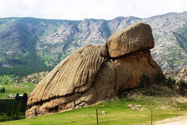 LOKASI TERBAIK SAAT BERPETUALANG DI MONGOLIA