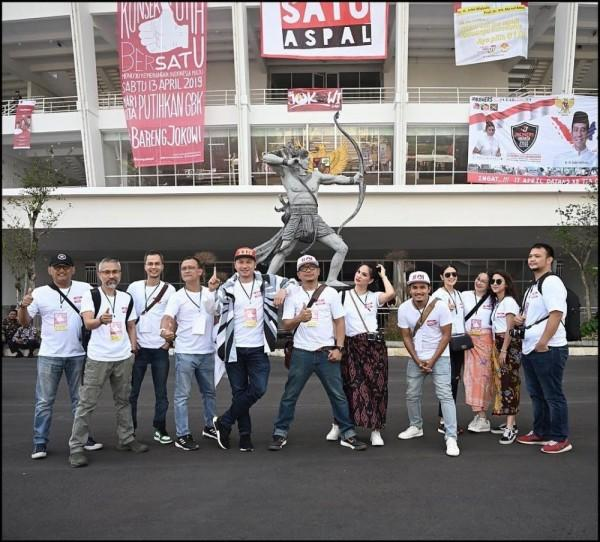 10 Potret Artis Ikuti Kampanye Putihkan GBK Jokowi-Ma'ruf, Meriah!