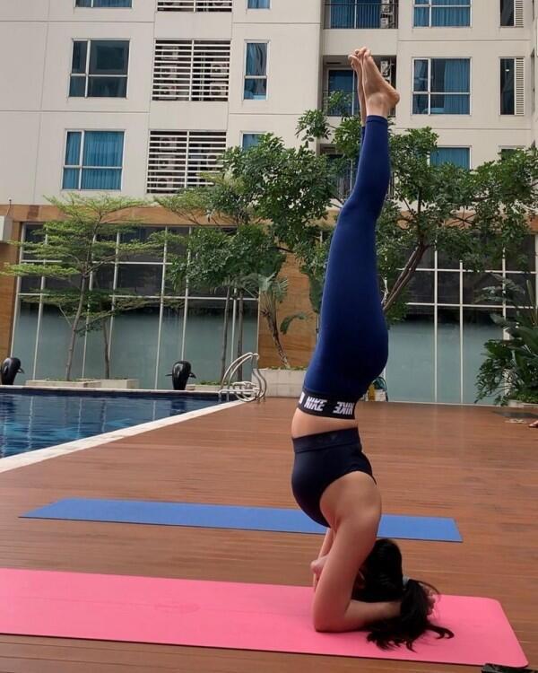 10 Potret Bella Shofie Pamer Body Goals Saat Olahraga, Bikin Iri!