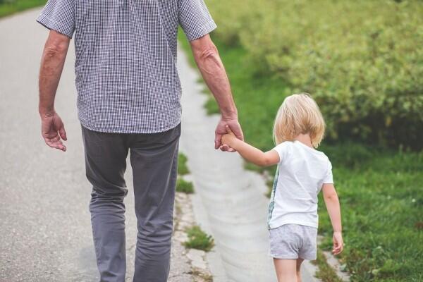 5 Tanda Cowokmu akan Menjadi Suami dan Ayah yang Baik