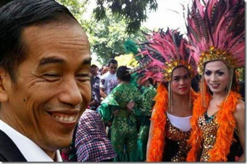 500 Waria Tumplek Di Kampanye Jokowi-Maruf