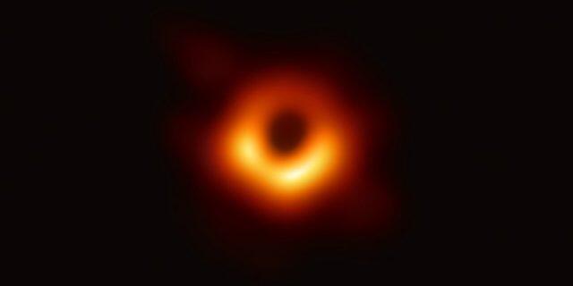 Ketie Bouman, ilmuwan yang Kembangkan Algoritma Untuk Mengambil Gambar Black Hole