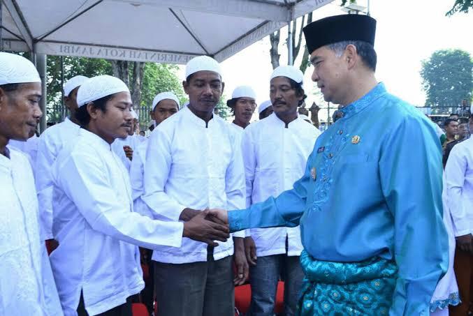 Puluhan Warga Suku Anak Dalam di Jambi Masuk Islam