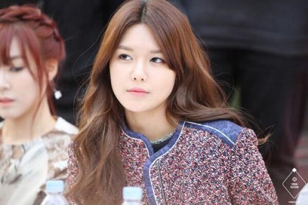 7 Idol KPop Ini Jago Bahasa Inggris Secara Otodidak, Gak Pakai Kursus!