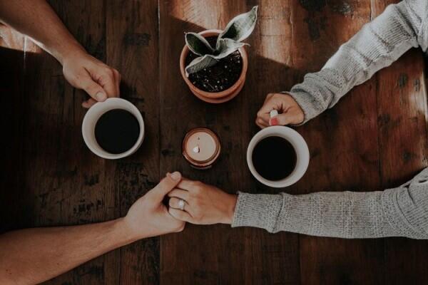 Harap Maklum, Ini 9 Alasan Cewek Gak Bisa Masak di Awal Pernikahan