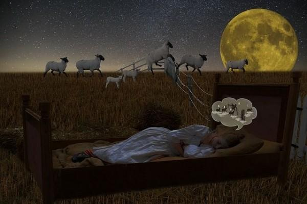 Susah Tidur? Ini 5 Lagu yang Bisa Membantumu Lekas Terlelap