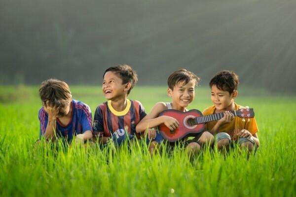 Gak Cuma Main Gawai, 5 Aktivitas Ini Bisa Kamu Lakukan Bareng Si Kecil