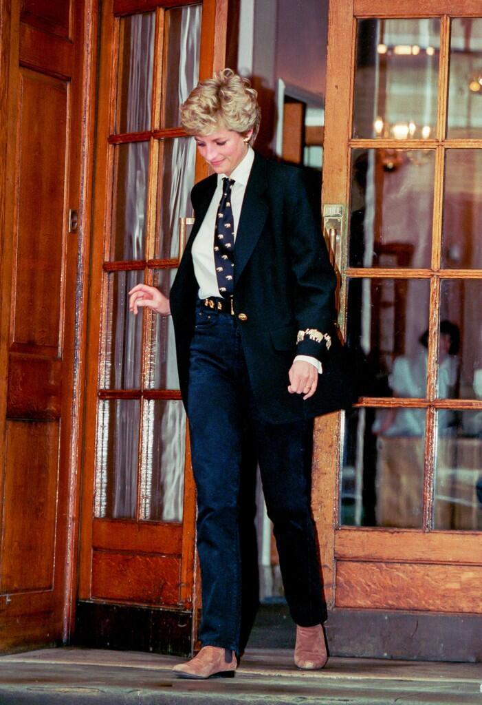 Ini Gan, Gaya Hypebeast ala Lady Diana. King of Streetstyle yang Sesungguhnya!