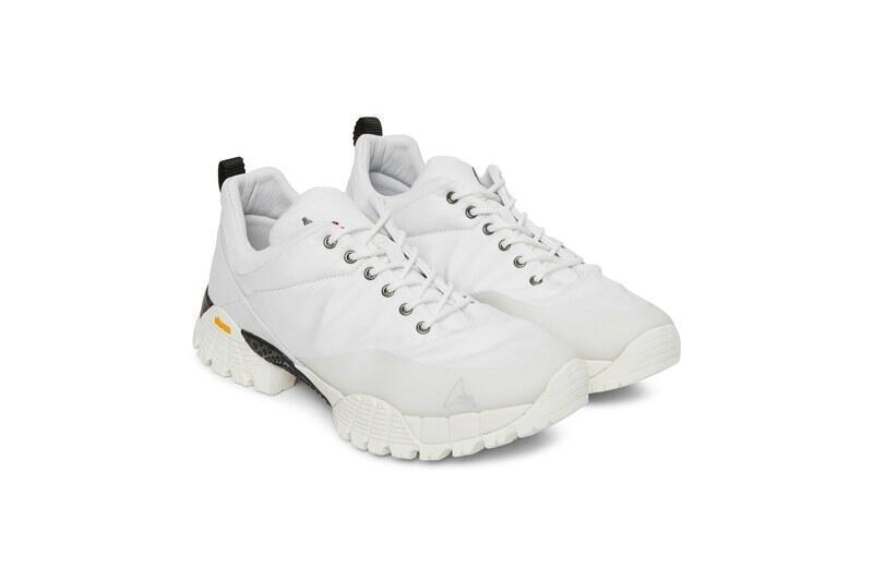 Sneakers Waterproof Ini Bakalan Buat Agan Tetap Bahagia Saat Kehujanan!