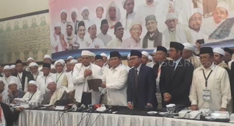 Prabowo ke Media Asing: Saya Berani Lawan Permintaan Ulama