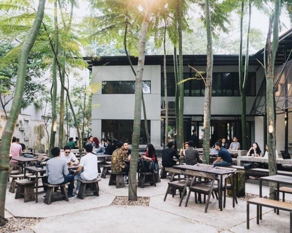 9 Tempat Nongkrong di Bandung yang Unik dan Kekinian, Sudah Tahu?