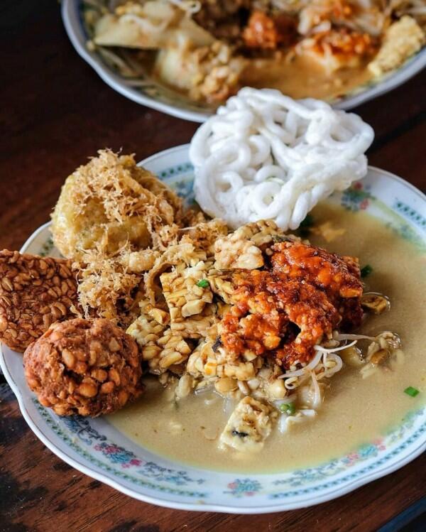 7 Warung Orem Orem Tempe Paling Enak di Malang, Siap Goyang Lidah!